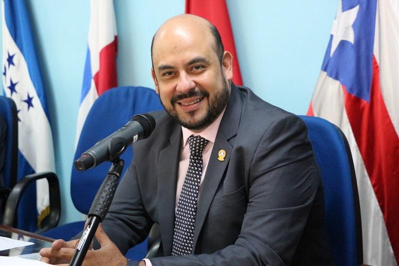 Diputado Gilberto Succari, electo vicepresidente del Parlacen