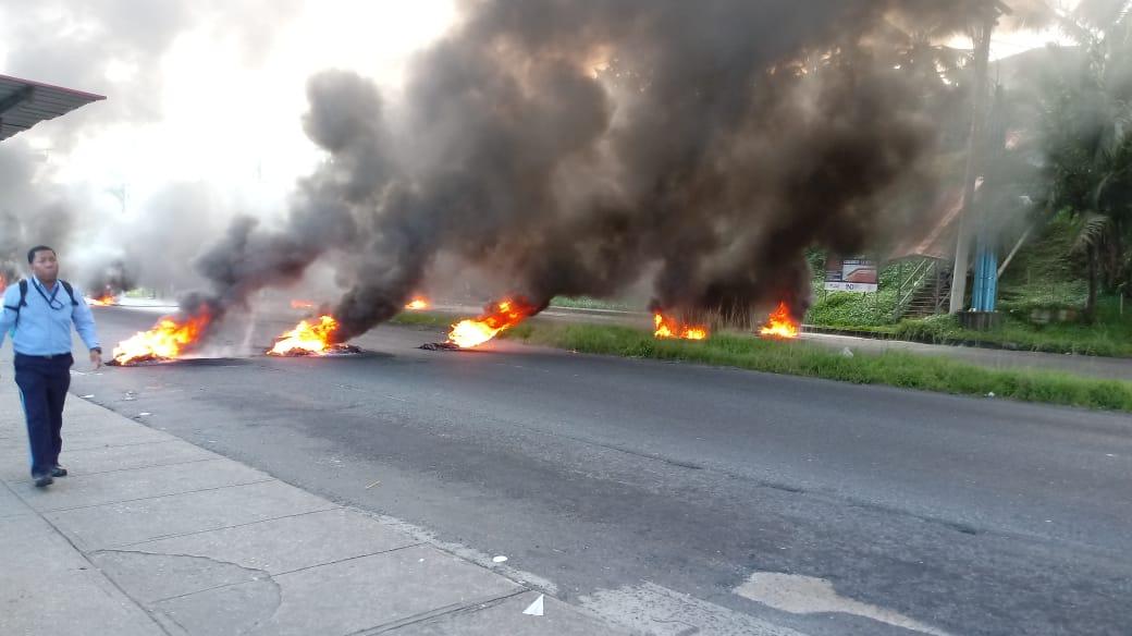 Prevén perdidas millonarias en la Zona Libre por protestas en Colón