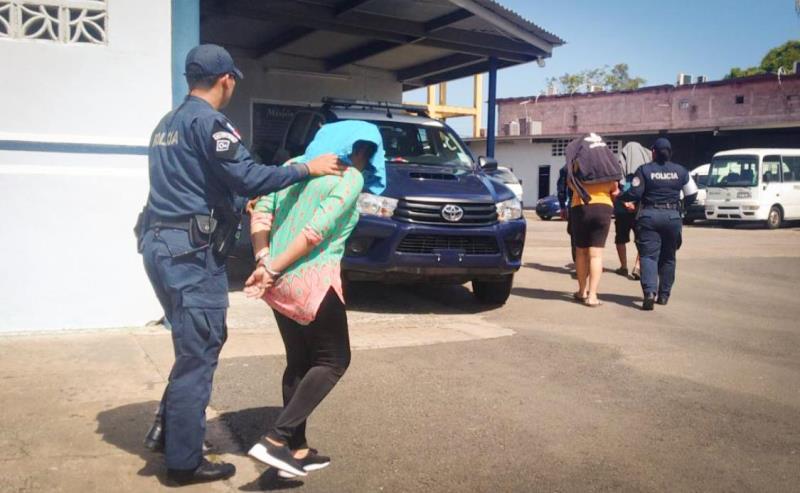 Aprehenden a siete personas y recuperan auto con denuncia de robo en La Chorrera
