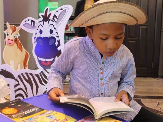 Meduca dotará a las escuelas de un millón de libros de cuentos para armar bibliotecas por aula