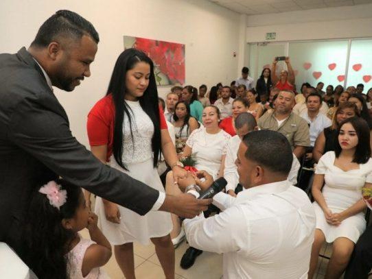Varias parejas se dan el sí, en Panamá Norte