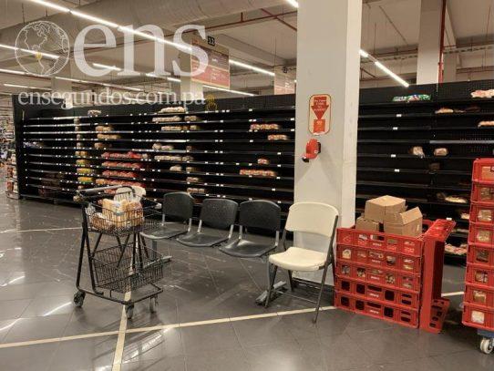 Ministra de Salud desmiente cierre de supermercados y farmacias