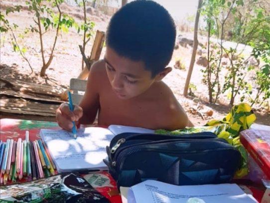 Afinan detalles de clases grabadas para estudiantes panameños