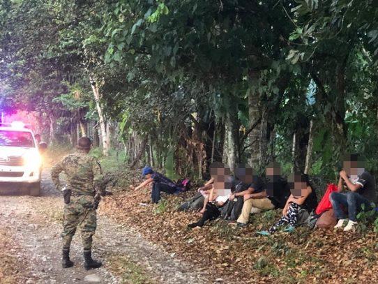 Detienen a 9 nicaragüenses por movilizarse de manera ilegal en Chiriquí