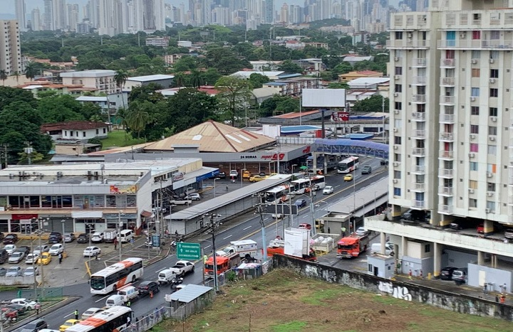 Explosión en un apartamento en Río Abajo deja al menos cuatro heridos