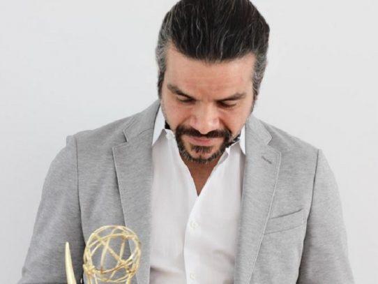 Rector de la Universidad de Panamá destaca a egresado que ganó premio Emmy