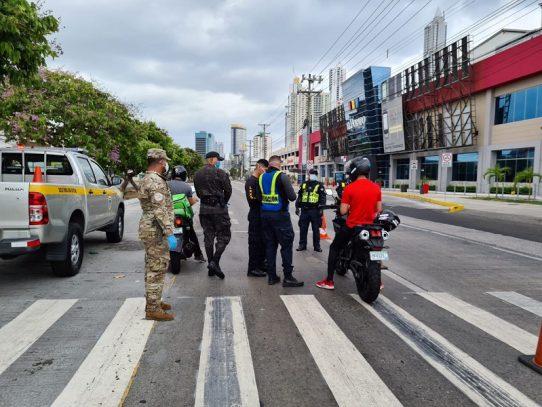 Ministro Pino rechaza agresión contra miembros de la Fuerza Pública
