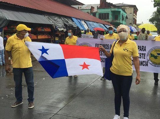 Educadores protestan en Colón, piden acceso a Internet para 800 mil estudiantes del país
