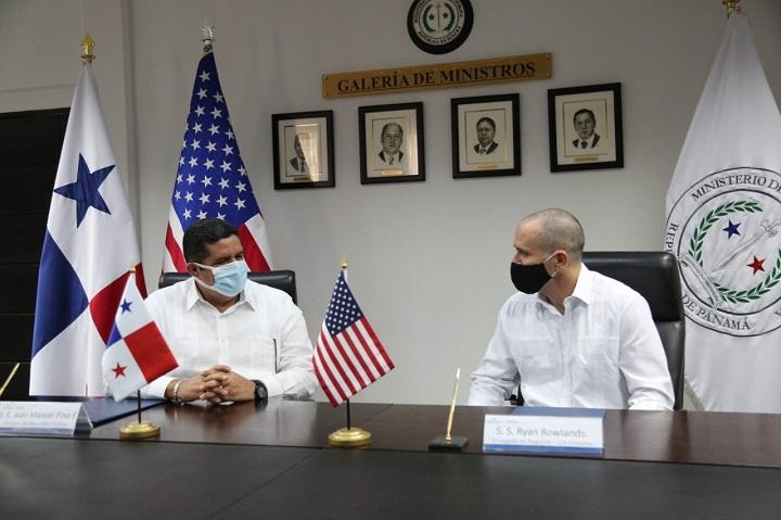 EE.UU. apoya esfuerzos panameños para combatir el lavado de dinero y la corrupción