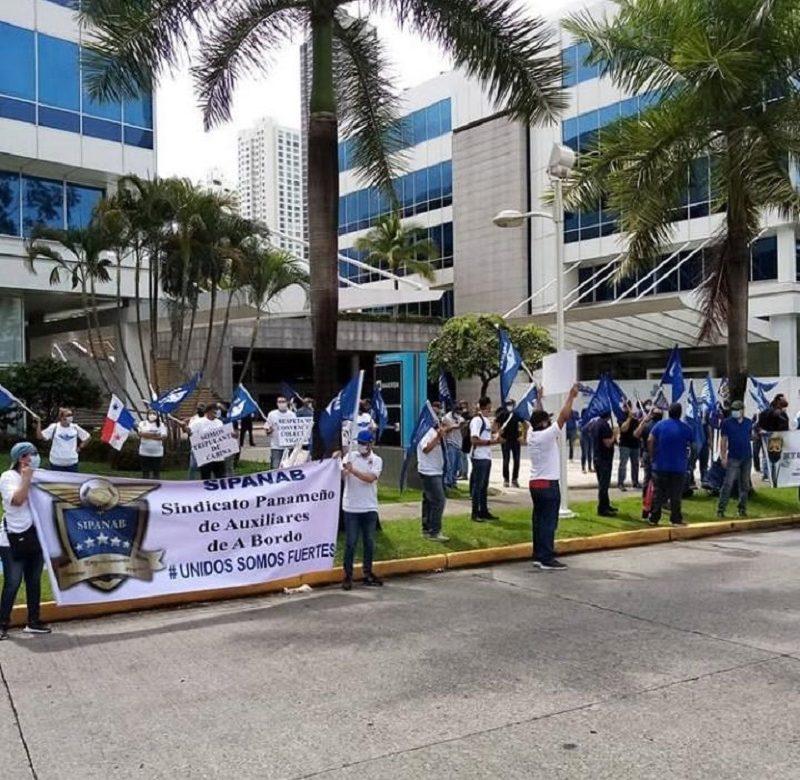 Trabajadores de Copa Airlines rechazan reducción salarial de hasta 16 meses