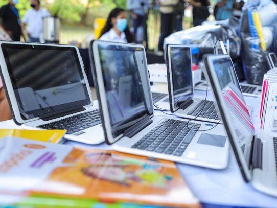 Estudiantes de escuelas oficiales podrán tener acceso gratuito a internet móvil