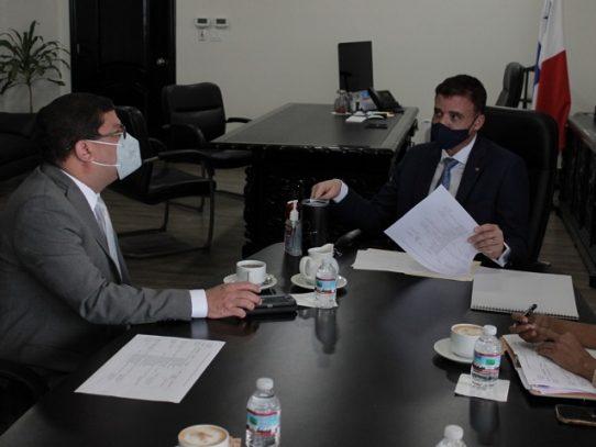 Contraloría se reúne con el Ministerio de Cultura para agilizar diversos proyectos