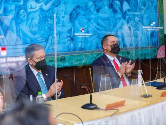 Gobierno firma acuerdo con telefónicas para asegurar conectividad a clientes afectados por pandemia