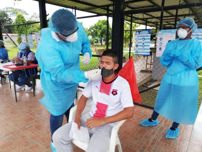 Panamá aplica 5,412 pruebas y obtiene 709 casos positivos de Covid-19