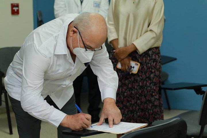 Designan nuevo director médico en el Hospital San Miguel Arcángel