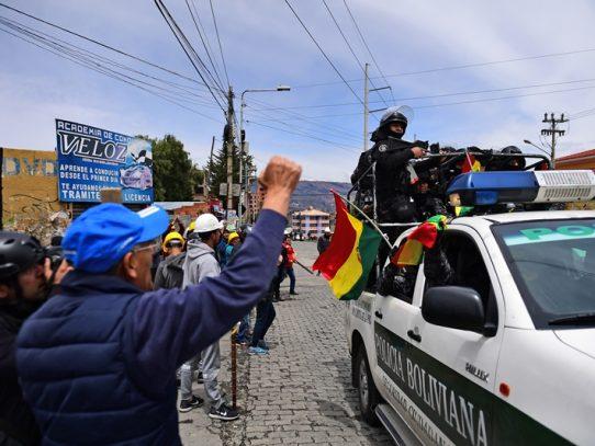 Panamá hace llamado al orden constitucional en Bolivia